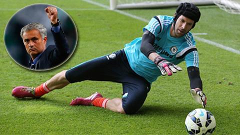 Petr Cech đã nhắc Mourinho nhớ đẳng cấp của anh vẫn nguyên vẹn