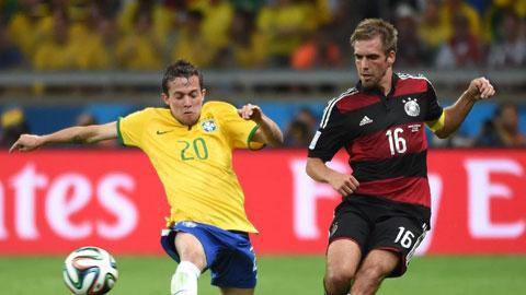"""Philipp Lahm: """"Chúng tôi không nỡ ghi thêm bàn vào lưới Brazil!"""""""