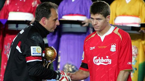 Liverpool đá giao hữu để tôn vinh thủ môn ghi bàn nhiều nhất thế giới