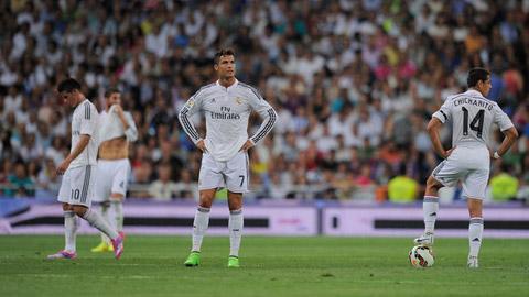 """Real """"tái mặt"""" vì Ebola, ngán ngẩm với sân bãi ở FIFA Club World Cup"""