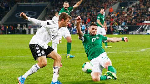 01h45 ngày 15/10, Đức vs Ireland: Giận cá, chém thớt!
