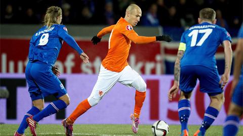 """""""Hội chứng phụ thuộc Robben"""" đang giết chết ĐT Hà Lan!"""