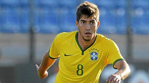 Real tính mua Lucas Silva để thay Sami Khedira