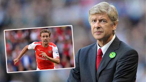 Nacho Monreal có thể đá trung vệ ở trận Arsenal - Hull City