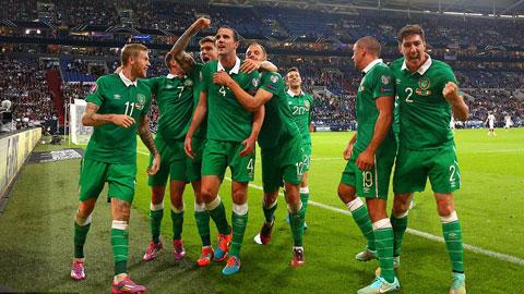 Fan trúng lớn vì O'Shea sút tung lưới ĐT Đức