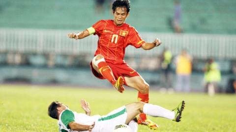 HLV Miura loại 3 tiền vệ sau chuyến tập huấn Nhật Bản
