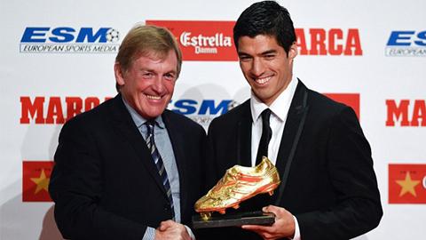 Suarez nhận Giày vàng, tuyên bố sẵn sàng cho El Clasico
