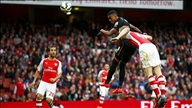 Arsenal 2-2 Hull City:Pháo thủ chết hụt