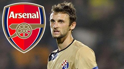 Arsenal giành tài năng trẻ Brozovic trước mũi Inter