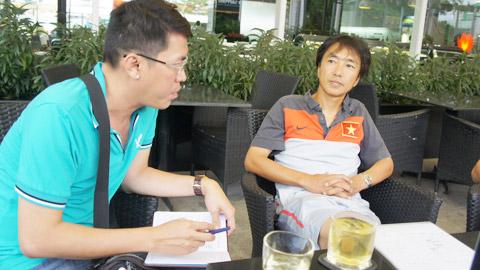 """HLV Toshiya Miura: """"ĐT Việt Nam đang hướng đến một lối chơi đơn giản"""""""