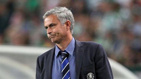 """Mourinho từ chối so sánh Chelsea với """"Arsenal bất bại"""""""