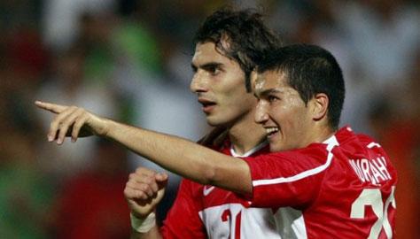 "Galatasaray vs Dortmund: ""Nội chiến"" tại Turk Telekom"