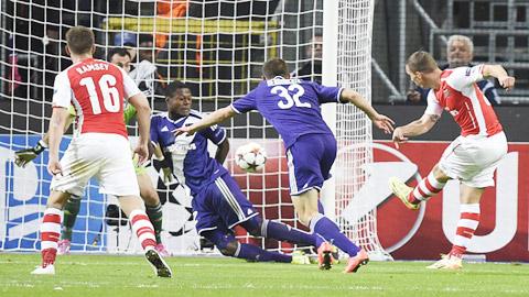 Lukas Podolski: Người hùng từ bóng đêm