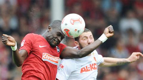 20h30 ngày 25/10: Augsburg vs Freiburg