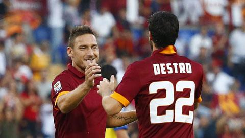 Roma cần công thức Totti + Destro