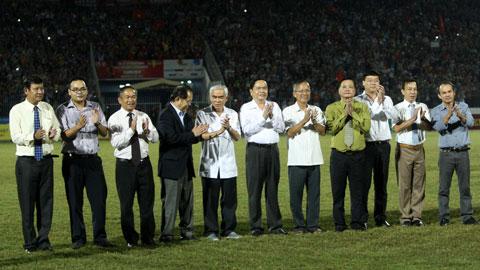 Trận chung kết giải U21 Quốc tế - báo Thanh Niên 2014 vinh dự đón các lãnh đạo và khách quý tới dự khán