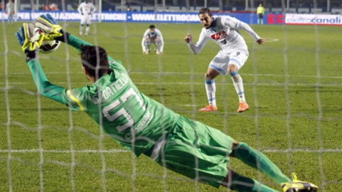 Vòng 9 Serie A: Thất vọng Torres và Higuain!
