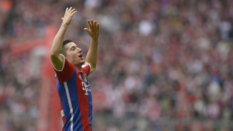 Bayern bỏ xa Dortmund 14 điểm: Khác biệt ở chuyển nhượng