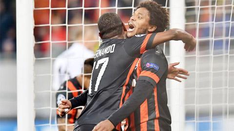 Cuộc đua Vua phá lưới: Luiz Adriano xây chắc ngôi đầu