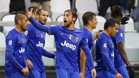 Juventus vùi dập Parma 7-0: