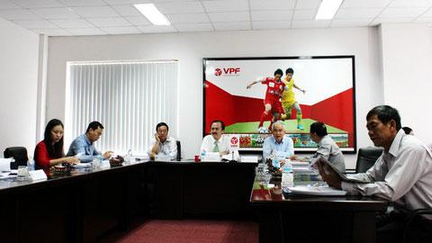 Họp HĐQT công ty VPF: Khuyến khích các đội bóng trẻ hóa lực lượng