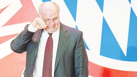 Những vụ bắt cóc tống tiền nhằm vào cầu thủ: Cựu chủ tịch Bayern vào tù cũng không yên