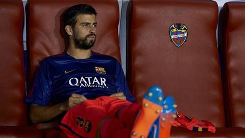 Pique bác bỏ khả năng rời Barca