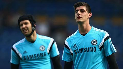 Courtois gợi ý Cech nên… chia tay Chelsea