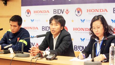 """HLV Toshiya Miura: """"Hàng công đã làm tôi an tâm!"""""""