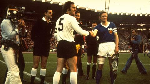 Những hoài niệm buồn về bóng đá Đông Đức
