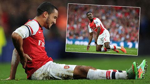 Arsenal có nguy cơ mất Walcott và Welbeck ở trận gặp M.U