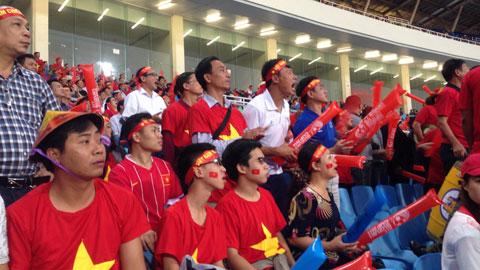AFF Suzuki Cup: Yêu lắm, thương lắm tinh thần Việt Nam!