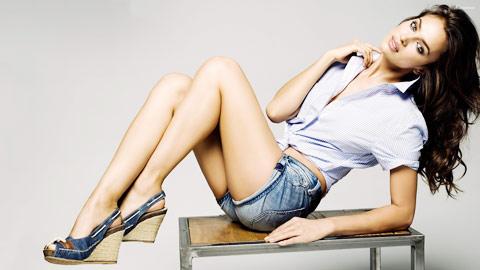 Siêu mẫu Irina từng ôm mộng làm phóng viên