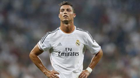 Ronaldo bị truyền thông