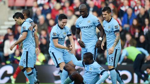 Man City chỉ còn kém Chelsea 6 điểm: Chờ cuộc lật đổ tháng 12