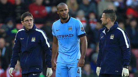 Dính chấn thương, Kompany lỡ trận gặp Sunderland