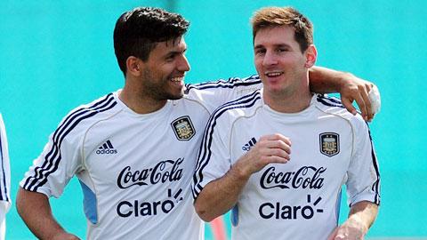 Aguero thuyết phục Messi về Man City