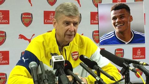 """Wenger """"khoái"""" hậu vệ của Ipswich, cân nhắc gia hạn với Diaby"""