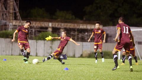ĐT Việt Nam tập luyện trong bầu không khí lạc quan trước thềm trận gặp Malaysia