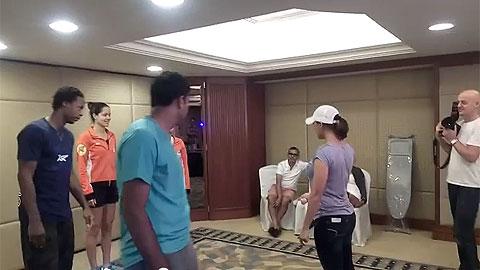 Roger Federer và Ana Ivanovic đua nhau làm diễn viên Bollywood