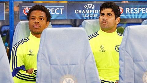 HLV Mourinho cần phải sử dụng những cầu thủ dự bị như Remy (trái) nhiều hơn