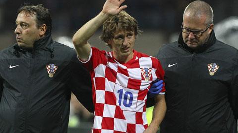 """Modric đã bị Real """"bóc lột"""" quá nhiều"""