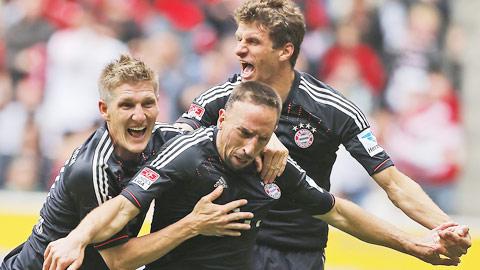 """Bayern đủ đẳng cấp để khiến """"ngựa ô"""" Augsburg thua tâm phục khẩu phục"""
