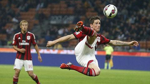 Torres đang chơi cho Milan theo dạng cho mượn