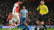 Arsenal 2-1 QPR: Chủ nhà hút chết