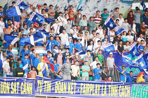 Pleiku và cơn sốt V-League 2015