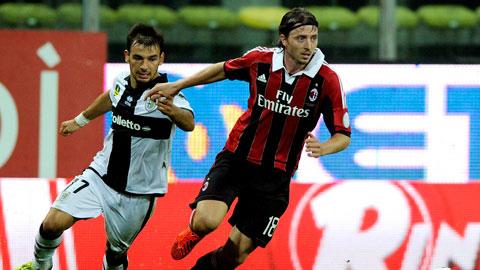 Milan cần phải đè bẹp Parma để vươn lên nửa trên BXH