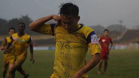 Ngôi sao U19 Việt Nam tặng bàn thắng cho mẹ
