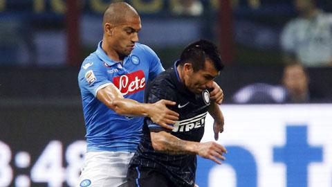 Napoli (trái) sẽ đánh bại Inter để tiến một bước dài tới chức vô địch Coppa Italia mùa này