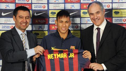 Sau Rosell , vụ chuyển nhượng Neymar có thể khiến cả chủ tịch đương nhiệm Bartomeu (trái) mất ghế